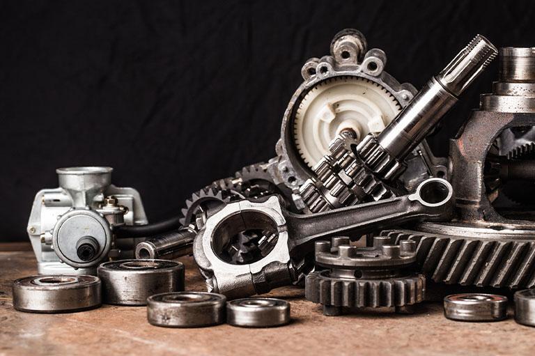 Sprzedaż hurtowa idetaliczna części zamiennych